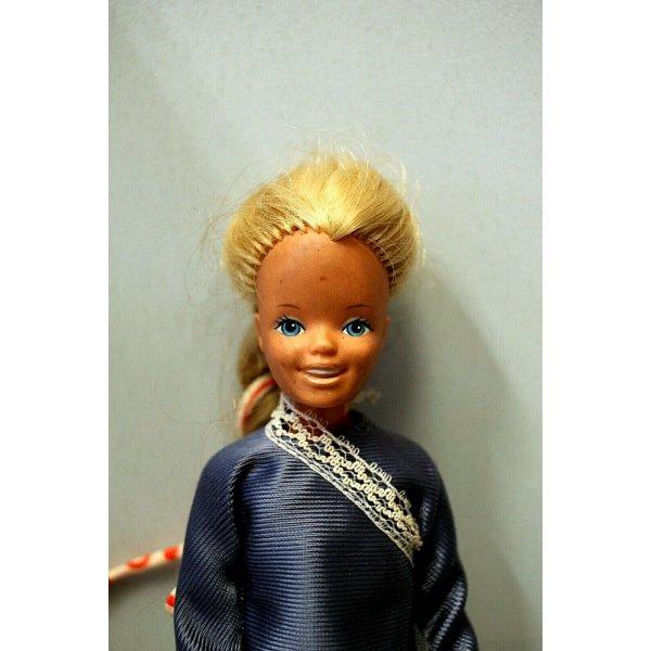 LOTTO 3 BARBIE 2 SKIPPER Mattel Inc. ANNI 60 OUTFIT VESTITI VINTAGE TOYS FIGURE